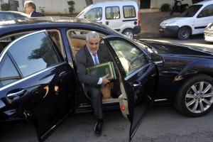 بنكيران في الطريق للقاء الملك محمد السادس