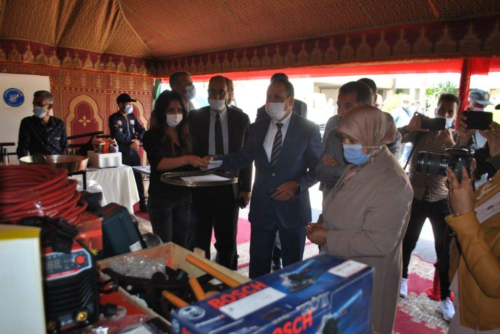 مؤسسة محمد السادس لاعادة إدماج السجناء تشرف على توزيع المشاريع المدرة للدخل لفائدة نزلاء ونزيلات سابقين بالمؤسسات السجنية باقليم اسفي+صور