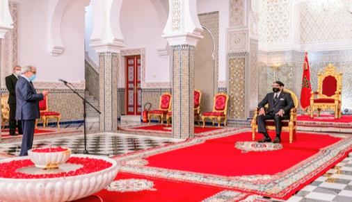 والي بنك المغرب خلال استقباله من طرف الملك: المغرب تأثر اقتصاديا بكورونا وبالمناخ غير الملائم